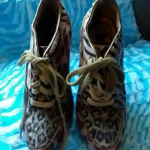 Animal print high heel lace up size 5 shoes